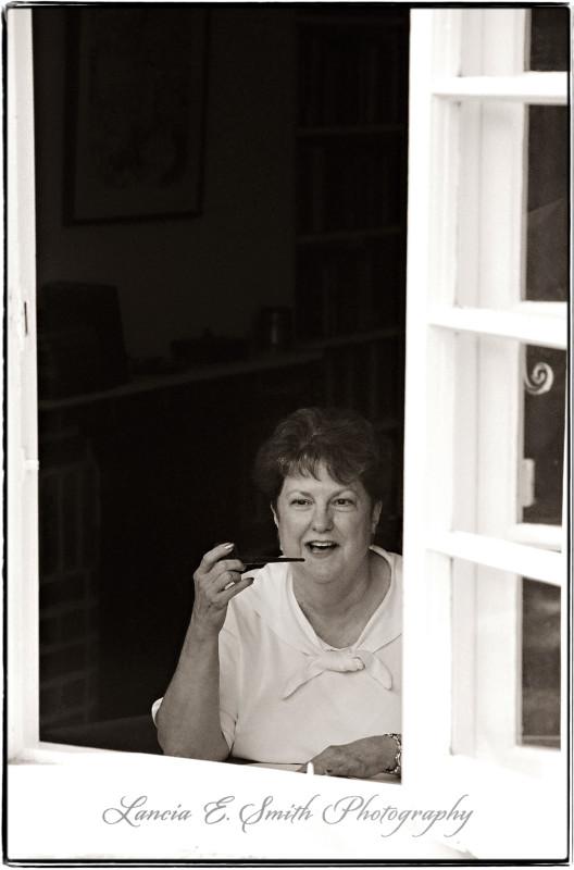 Carolyn-Curtis-in-Kilns-window