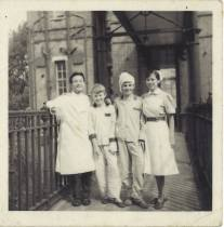 1963 at St. Charles Hospital, London 1963年攝於倫敦聖查理士醫院