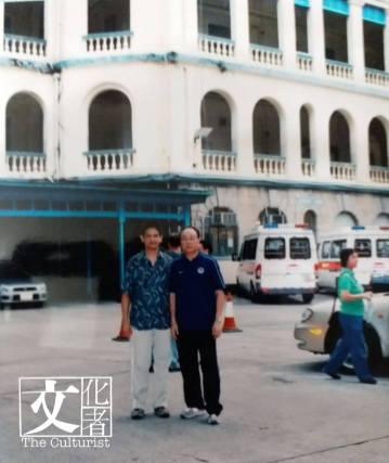 2004年中區警署搬往總部前留影,當時仍見有蓋停車 ... 理警務處長申請,中間無蓋的則是幫辦至警司職級。