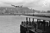 1998啟德機場的最後一天 。 (余偉建提供)