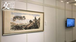 饒公筆下的《霧鎖重關》,以及由香港公開大學學生重新演繹的《霧鎖重關》動畫。