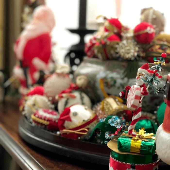 My Vintage Christmas Table Scene
