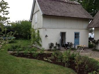 the-curious-gardener-denmark-garden-view-food-bed