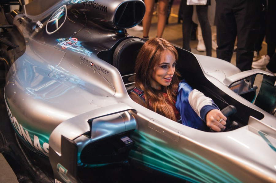 The TOMMYNOW DRIVE F1 race simulator