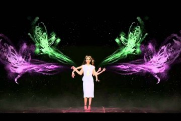 7 ways fashion brands are harnessing hologram technology