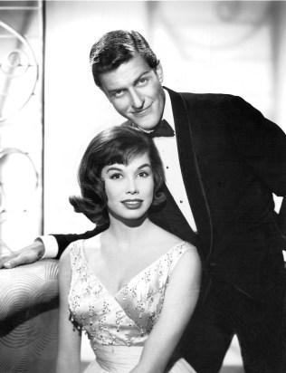 Mary_Tyler_Moore_Dick_Van_Dyke_Dick_Van_Dyke_Show_1961.jpg