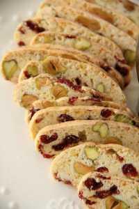 cranberry_and_pistachio_biscotti02