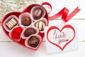 valentine-s-day-card-chocolate-horiz_msihe7