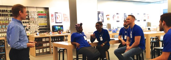 Seminar for small group in an Apple store