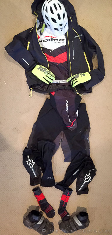What to Wear For Winter Mountain Biking