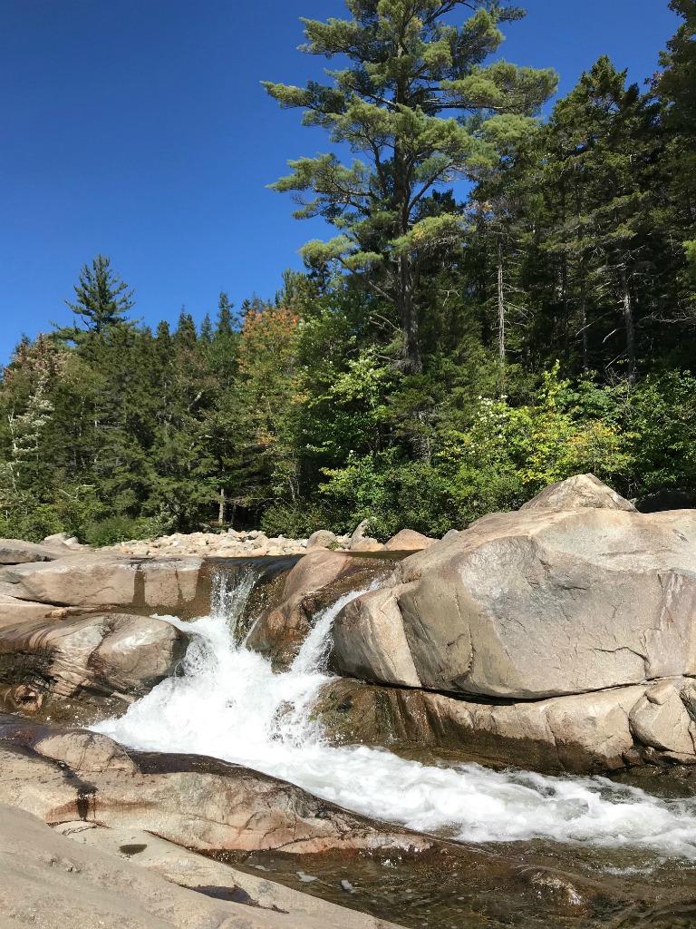 easy hikes NH near the Kancamagus