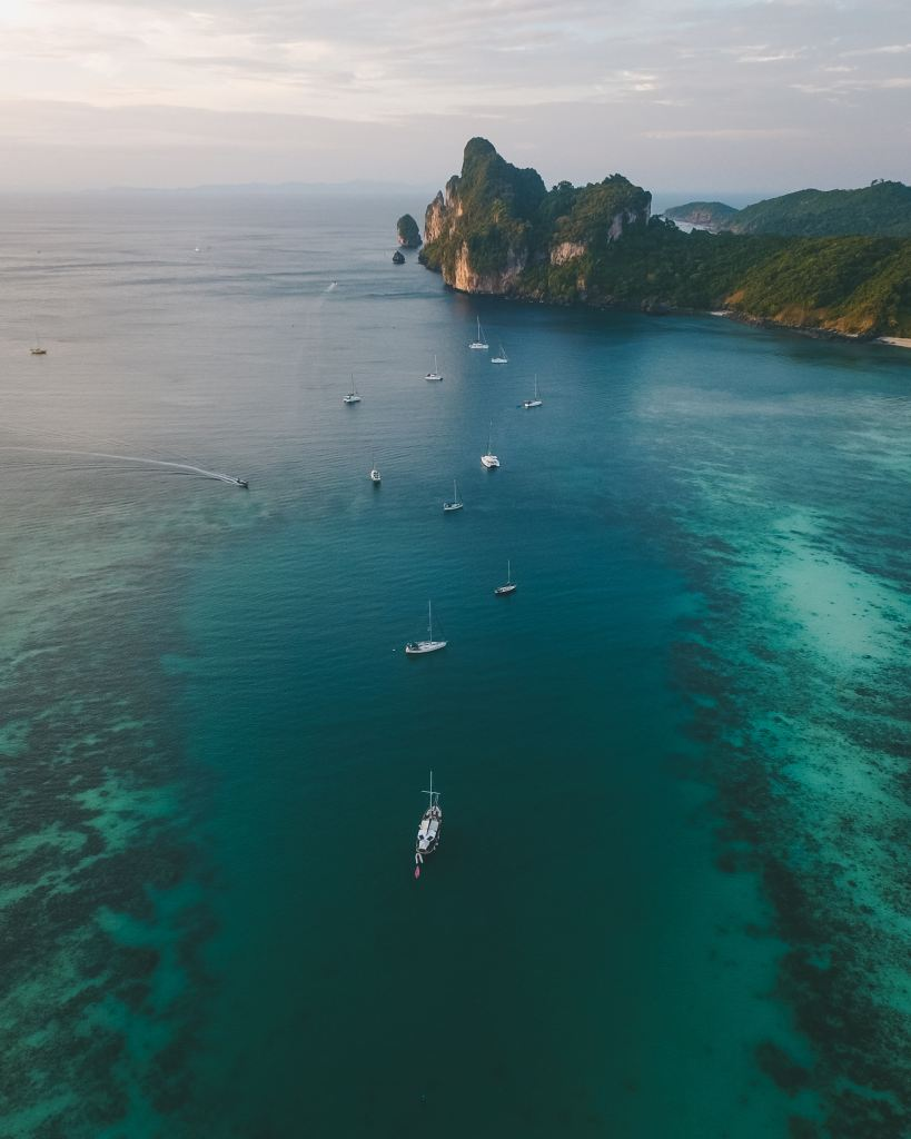 Are you wondering what Thai island you should visit? Read on for my Mini Guide to Thailand's Islands to help you with your Thailand Island Itinerary #Thailand #travel #AsiaTravel #ThailandIslandsGuide