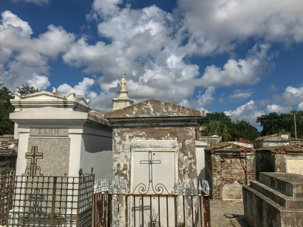 Which is the best New Orleans cemetery to visit? Best cemetery tour New Orleans