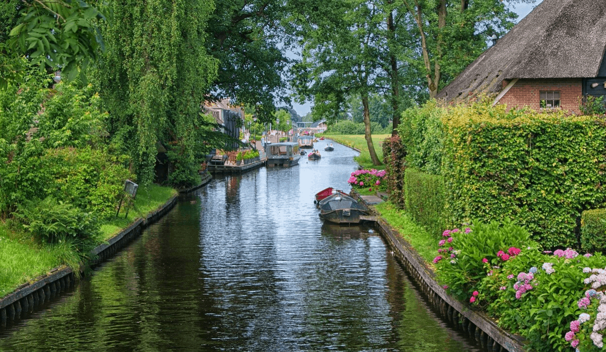 10 Things To Do In Giethoorn, The Netherlands