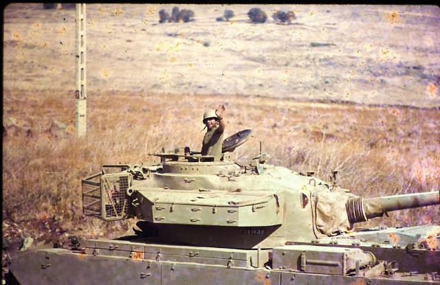 idf-force-here-are-on-their-way-to-the-golan-heights-in-1973