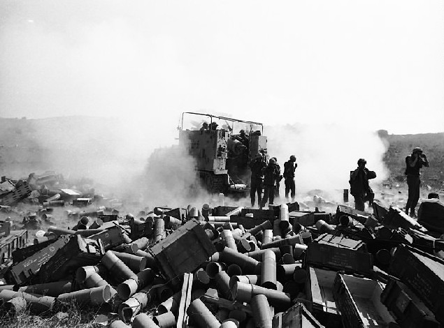 israeli-artillery-on-the-golan-heights-1973