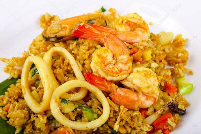 Calamari & Shrimps Fried Rice | Recipe by SuperChef Nandakumar