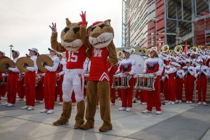 Students, alumni and fans came out in full force for the Cougars return to TDECU Stadium, with tail-gating taking center stage along Cullen Boulevard. | Justin Tijerina/The Cougar