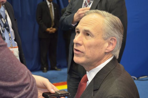 Texas Gov. Greg Abbott.| Mónica Rojas/ The Cougar