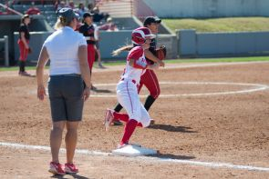 Softball split a pair of home games on Friday against the University of the Incarnate Word and Texas Southern. | Justin Cross/The Cougar
