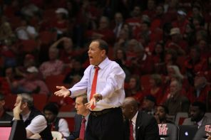 Head coach Kelvin Sampson said that this senior class is dear to him because they signed for Houston at a time when the program was not that great. | Thomas Dwyer/The Daily Cougar