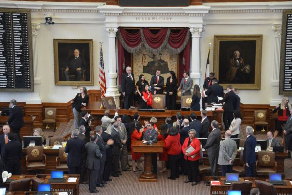 Day at the Capitol buses began arriving at the Capitol around 10 a.m., where legislators in the Senate and House of Representatives passed recognitions regarding UH Day at the Capitol. | Jasmine Davis/The Cougar