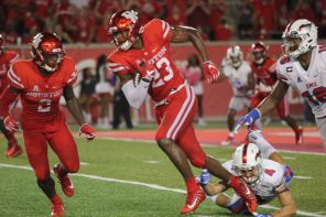 The defense was all over SMU and continued its dominant play. Senior safety Terrell Williams helped in the effort with two interceptions late in the game to stop any momentum the Mustangs could muster for a comeback. He has now been named American Athletic Conference Defensive Player of the Week. | Thomas Dwyer/The Cougar
