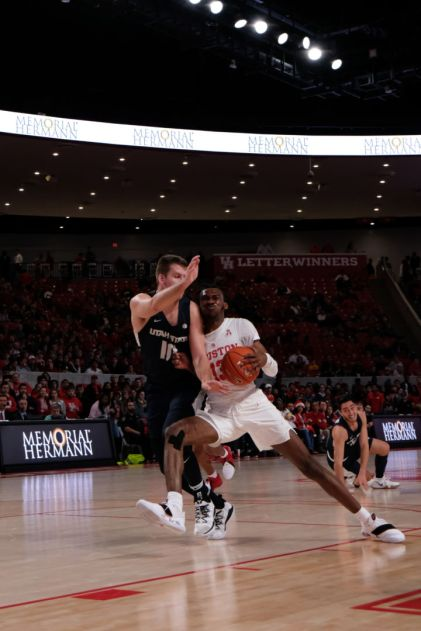 After missing much of November, redshirt sophomore DeJon Jarreau has been coming off the bench as a steady contributor. | Kathryn Lenihan/The Daily Cougar