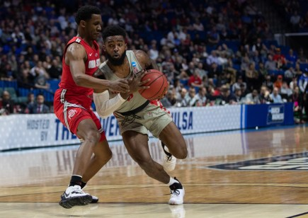 Senior guard Corey Davis Jr. led the Cougars with 21 points against the Buckeyes. | Ahmed Gul/The Cougar