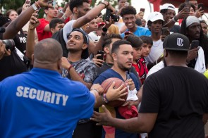 Following the conclusion of the game, fans were given the opportunity to receive autographs.| Trevor Nolley/The Cougar