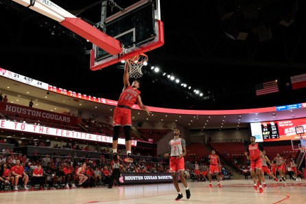Grimes' dunk was one of the highlights of the night. | Kathryn Lenihan/The Cougar