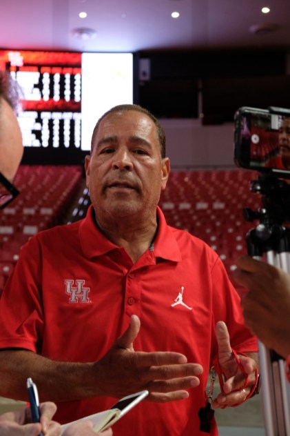 Head coach Kelvin Sampson watched from the sidelines and took notes on his team's performance throughout the night. | Kathryn Lenihan/The Cougar