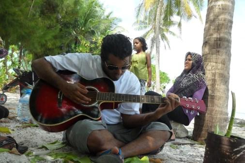 rilwan_guitar