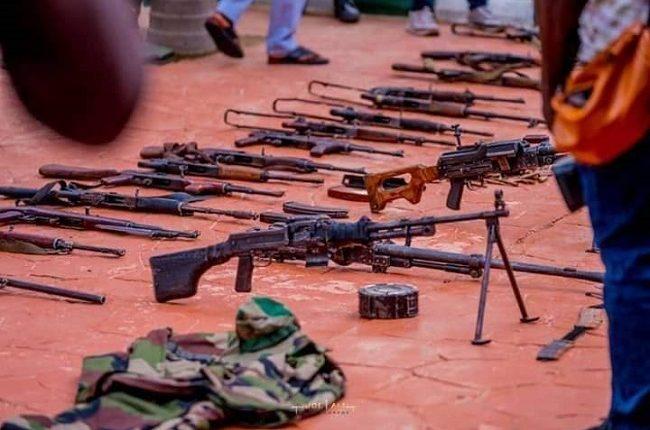 [BREAKING] Bandits surrender 150 AK-47 rifles in Zamfara 3