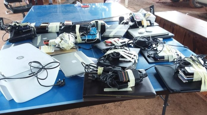 EFCC Arrests 14 Alleged Fraudsters In Anambra, Seize Exotic Cars [Photos] 3