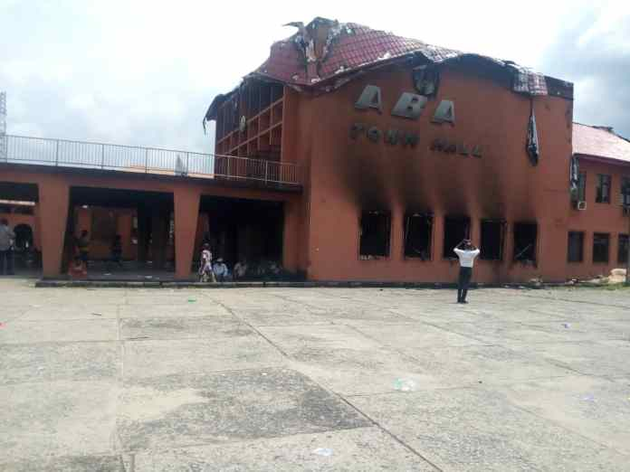 EndSARS Protests: Traditional rulers lament destructions of properties in Aba, lay curses on hoodlums 1