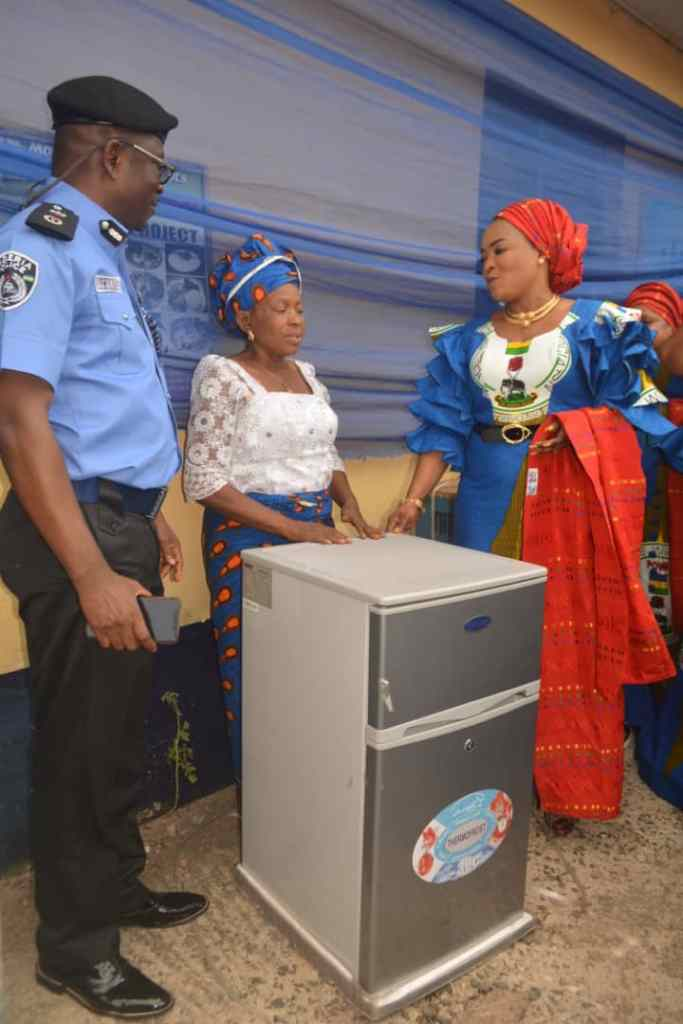Wife of Imo Police Commissioner doles out cash, food items to indigent POWA members 6
