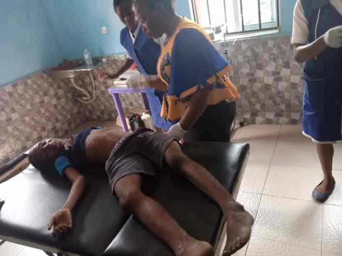Speeding driver losses control, kills child in Anambra 3