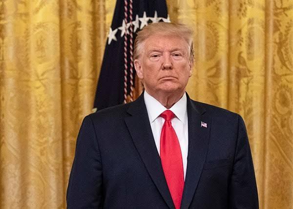 Trump grants last-minute pardon to 143 people 3