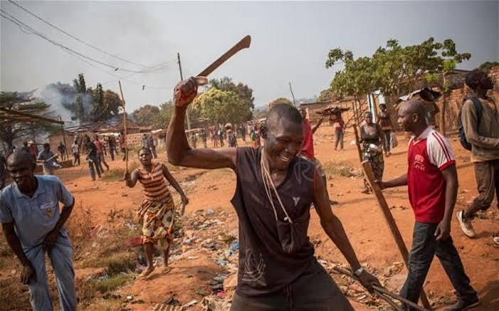 Many injured, vehicle damaged as Anambra communities clash over land 3