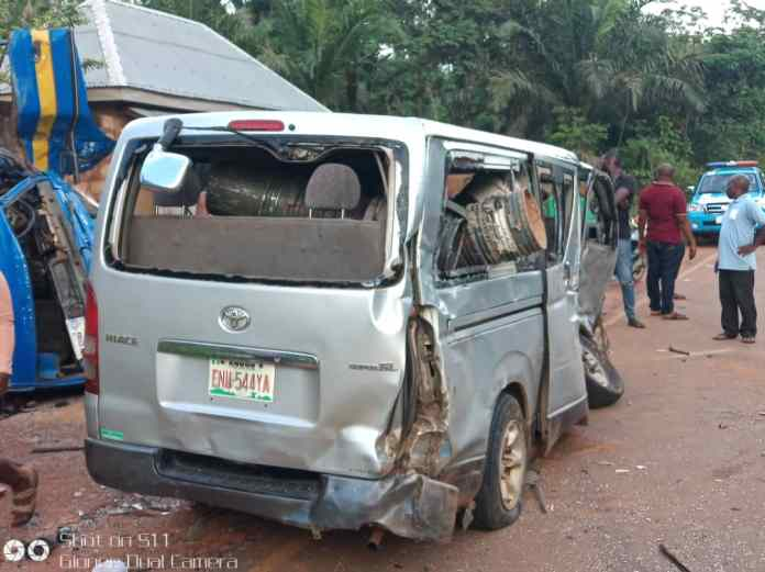 Man dies in Anambra road accident 3