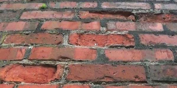 can rising damp damage bricks
