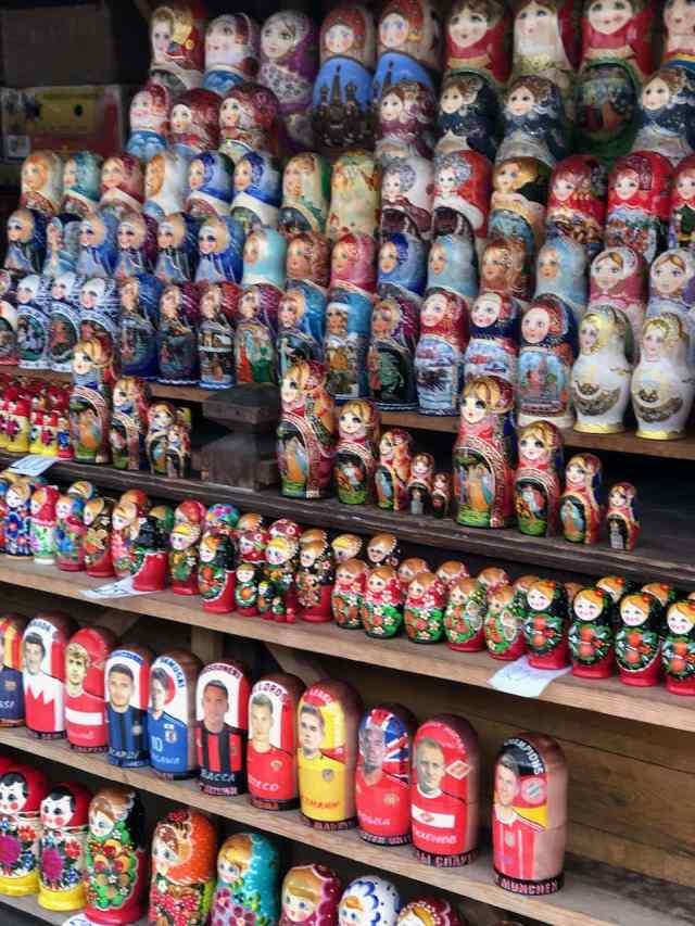 russian dolls izmailovsky market Moscow