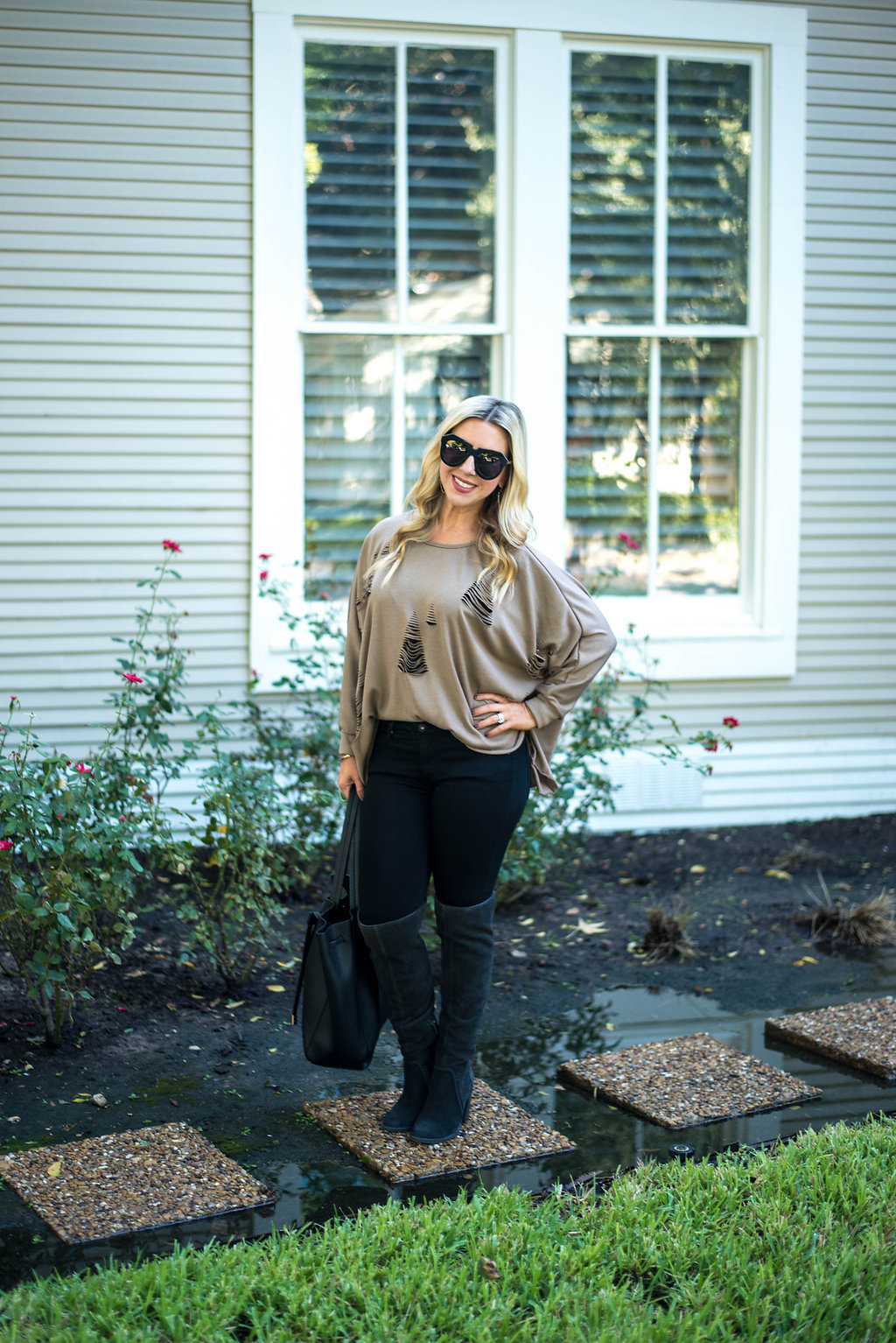 Distressed Sweater | Fashion Blogger
