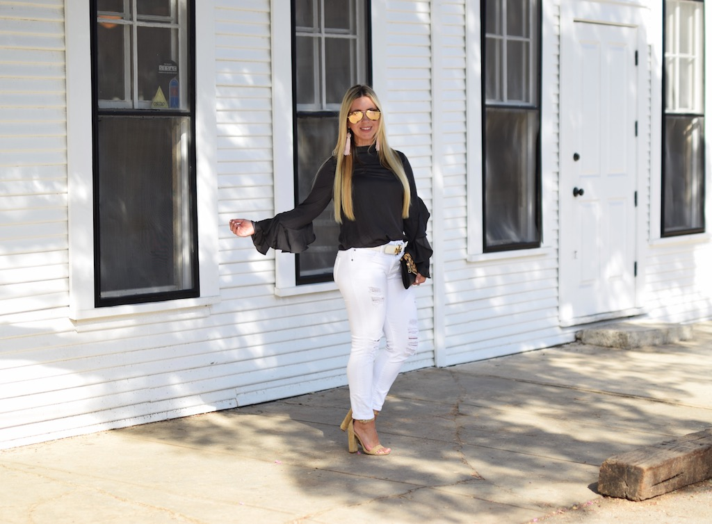 A Visit To Gruene Hall   The Darling Petite Diva   Lifestyle Blog