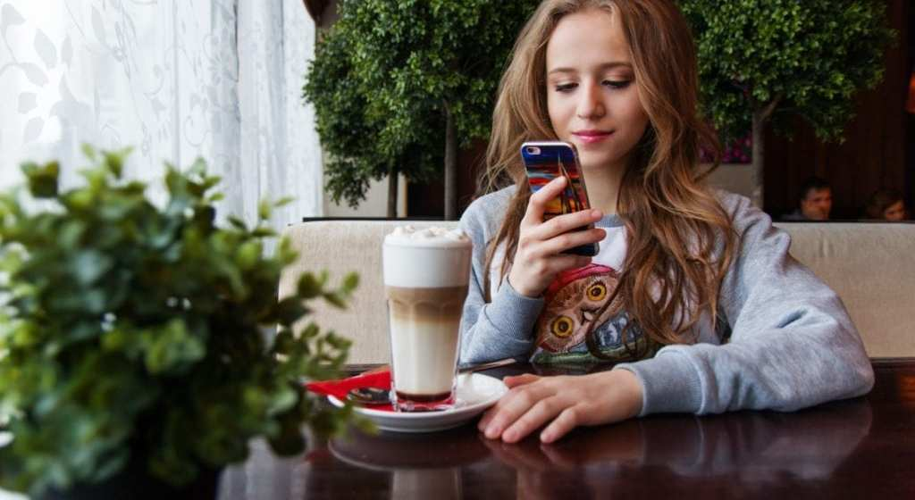 7 Lessons I Learned Dating Casually on Tinder