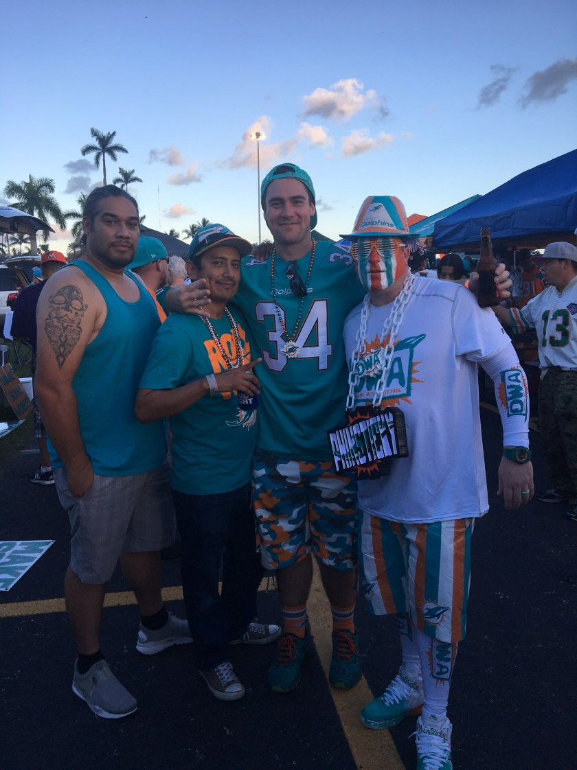 dolphins_tailgate_1