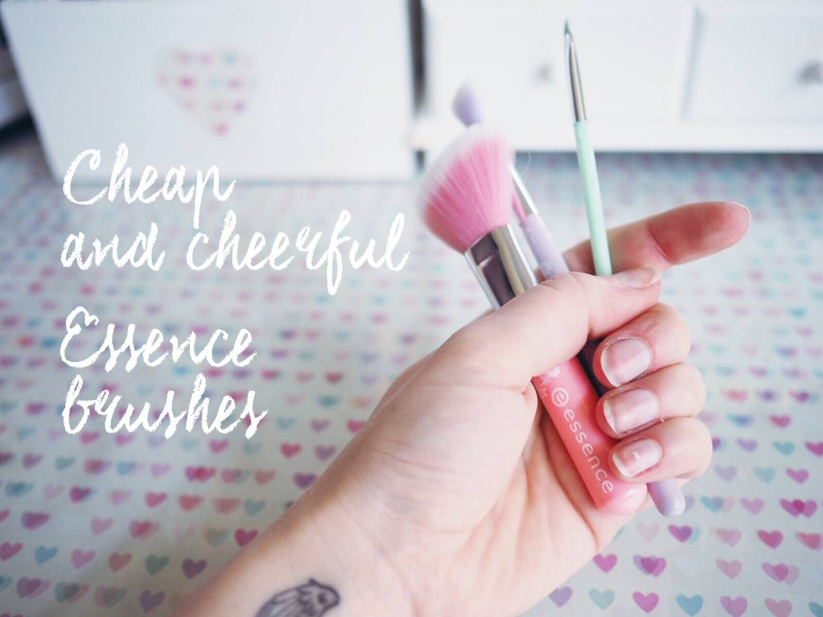 Cheap & cheerful | Essence brushes