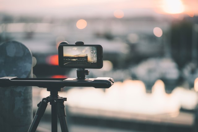 Kickstarter campaign launches for motorized iPhone slider