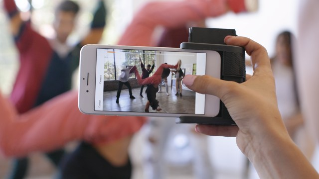 Meet the Prynt Pocket — The Device that Transforms your Phone into the Smallest and Coolest Instant Camera